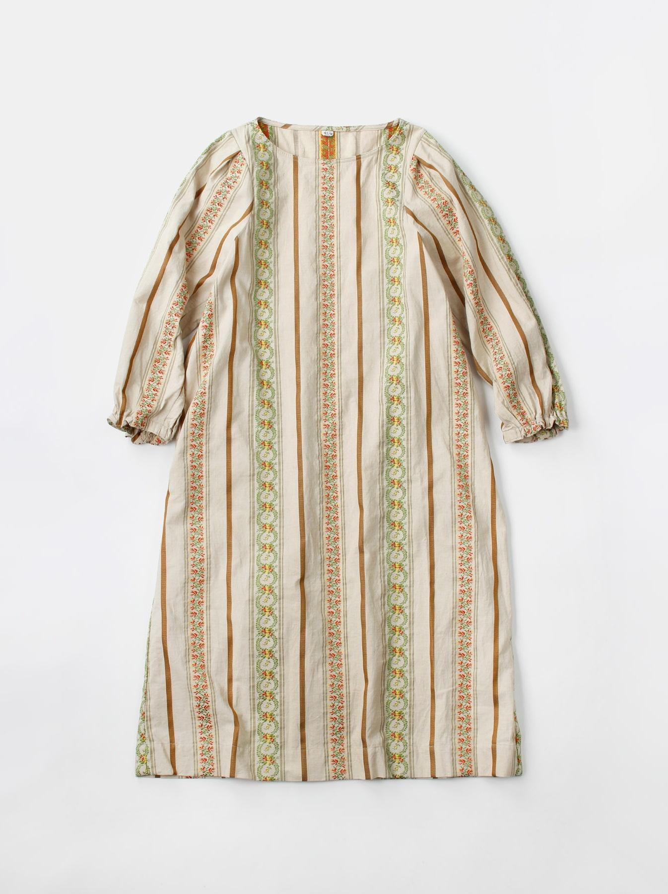 WH Hakeme Flower Jacquard Dress-2
