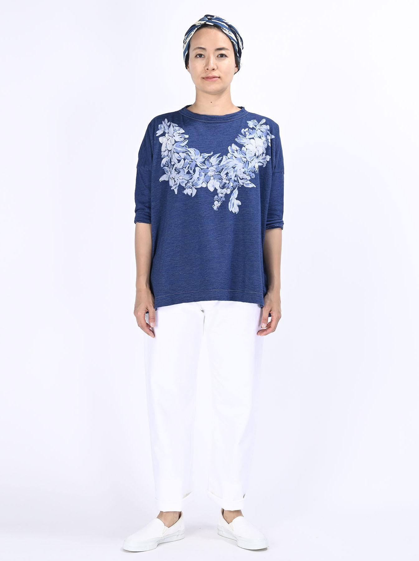Distressed Indigo Lei Lei Print Big Slit T-shirt (0621)-2