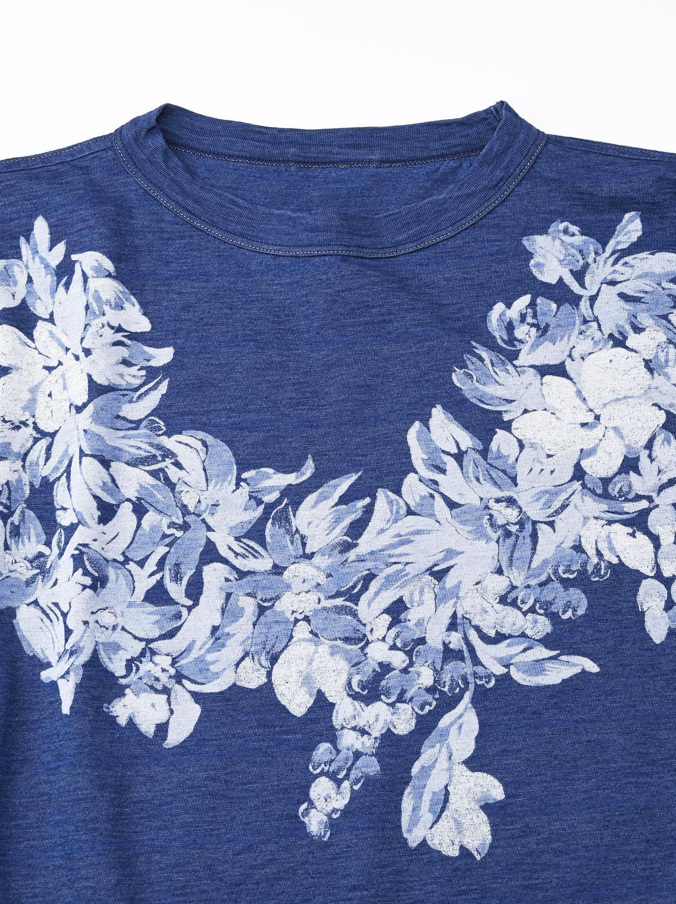 Distressed Indigo Lei Lei Print Big Slit T-shirt (0621)-7