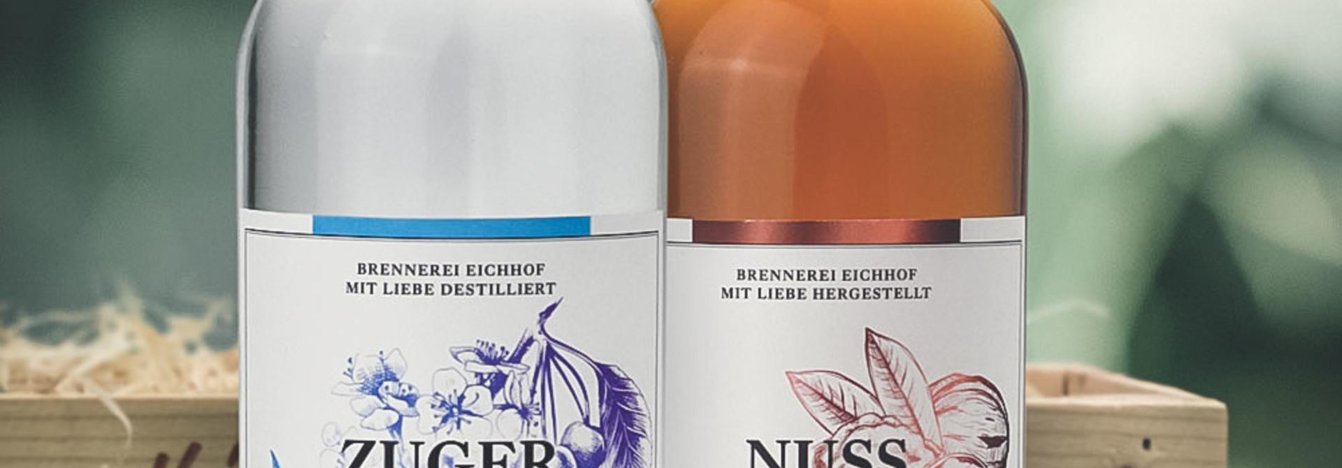 Zuger Kirsch & Nuss Likör 70cl in Geschenkharasse - Copy