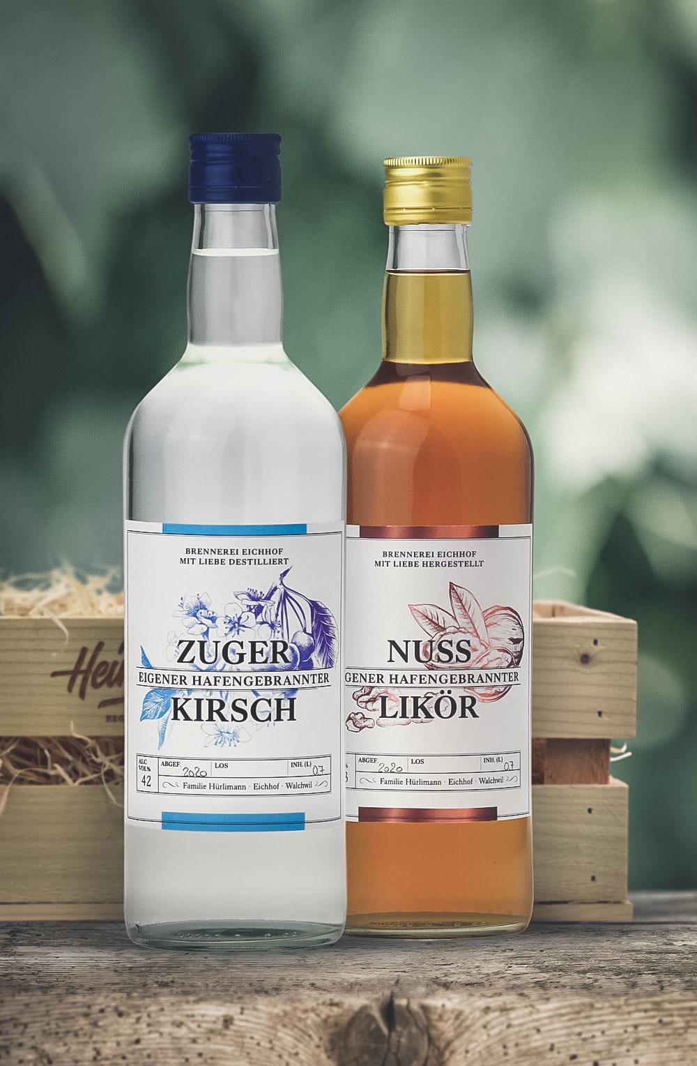 Zuger Kirsch & Nuss Likör 70cl in Geschenkharasse - Copy-1