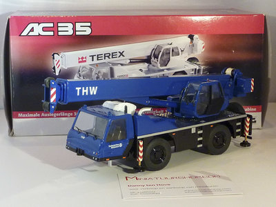 NZG NZG Terex AC35 crane truck THW