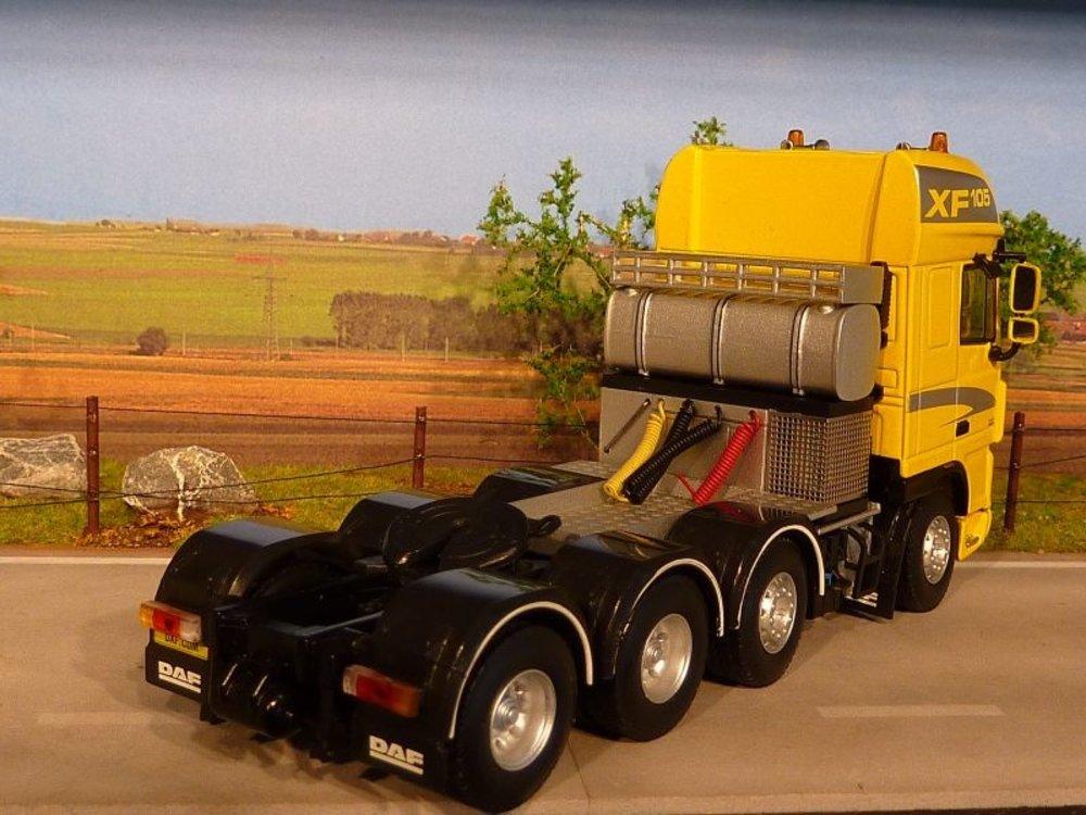 WSI WSI DAF 105XF 8x4 demo single truck