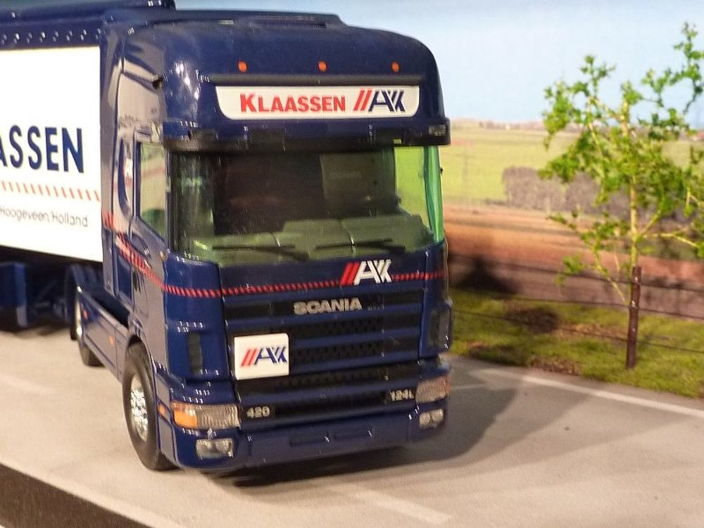 Tekno Tekno Scania 124L Topline met cargofloor oplegger Altinus Klaassen