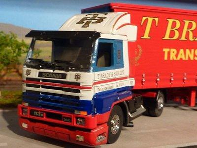 Tekno Tekno Scania 113M streamliner met zeiloplegger T. Brady English collection