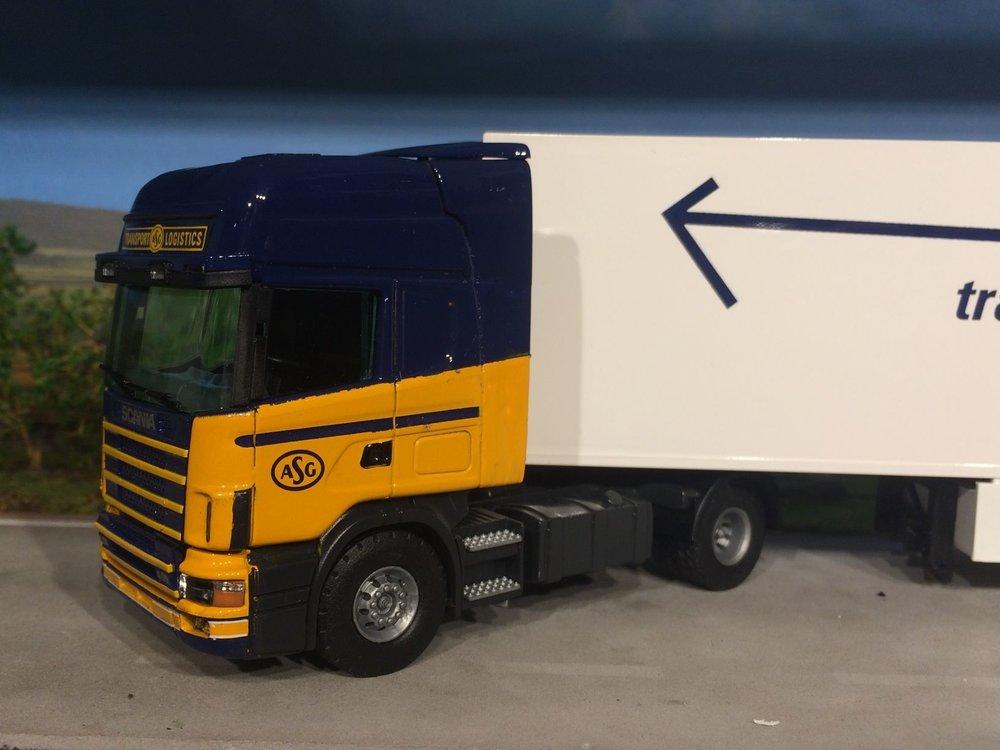 Tekno Tekno Scania 124/400 ASG met koeloplegger