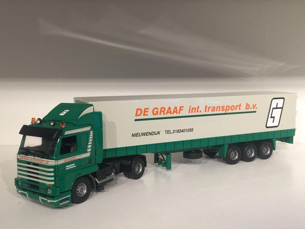 Tekno Tekno Scania 113M streamliner met gesloten oplegger de Graaf Nieuwendijk