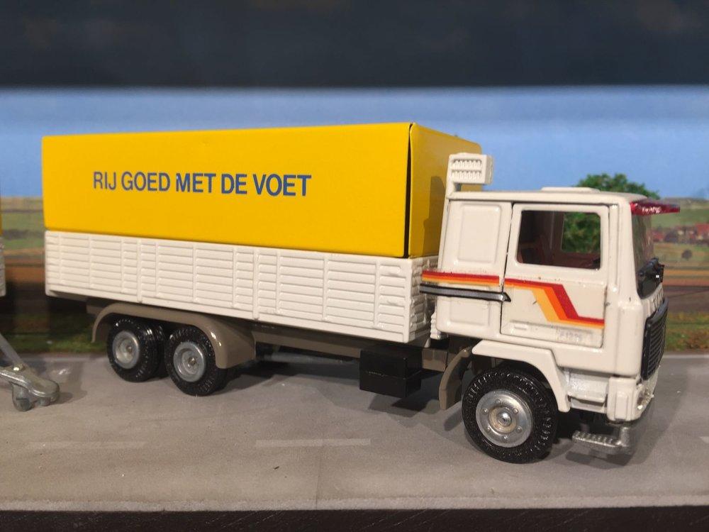 Tekno Tekno Volvo F1225 combi demo model