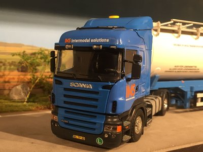 Tekno Tekno/ Code3 Scania R420 with bulktank semi-trailer IMS live stockndam