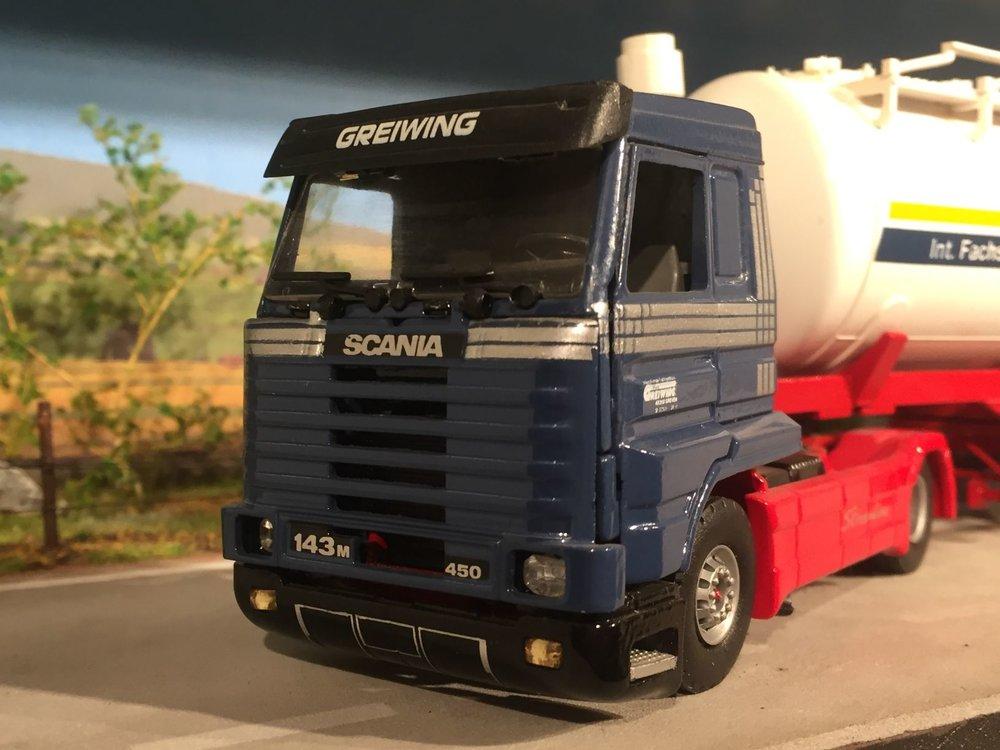 Tekno Tekno Scania 143M streamliner met bulktankoplegger Greiwing