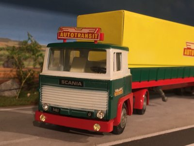 Tekno Tekno Scania 141 with classic curtain side trailer Autotransit
