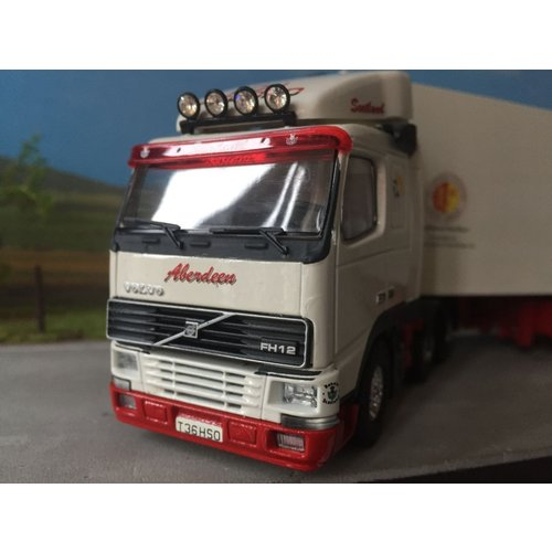 Tekno Tekno Volvo FH12 6x2 with refrigerated trailer Bon-Accord / McIntosch Scotland