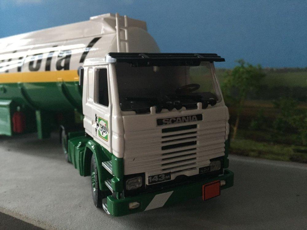 Tekno Tekno Scania 143M met tankoplegger API