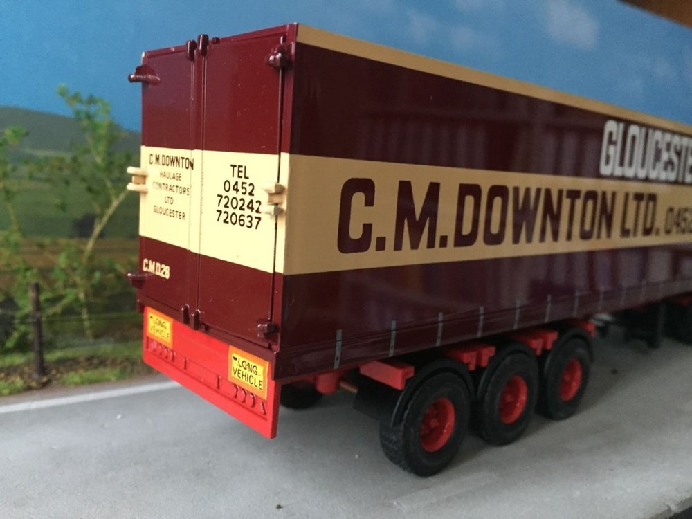 Tekno Tekno DAF 85 met gesloten oplegger C.M. Downton Ltd.