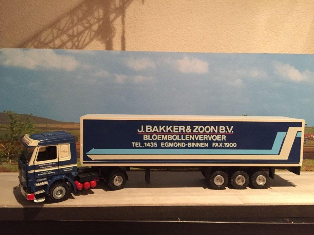Tekno Tekno Scania 143M/450 met gesloten oplegger J. Bakker & Zoon