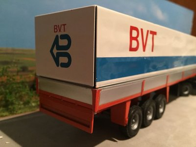 Tekno Tekno Volvo F12 met 3-as huifoplegger BVT