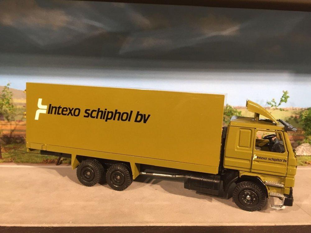Tekno Tekno Scania 143M/ 450 6x2 bakwagen Intexo Schiphol