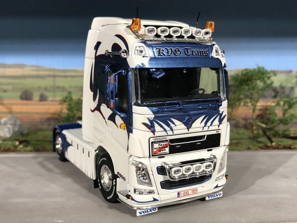 Tekno Tekno Volvo FH04 globetrotter 4x2 single truck KVG Trans België