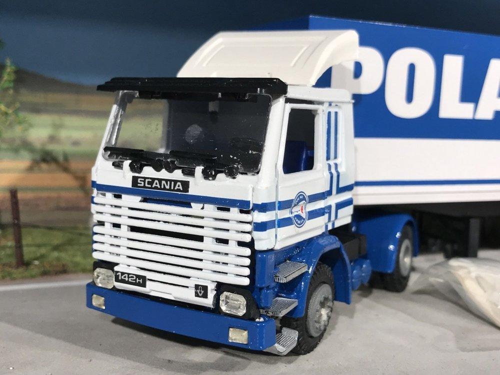 Tekno Tekno Scania 142H V8 met 2-as koeloplegger Polar Express Finland