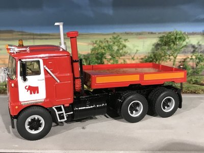 Mammoet store WSI Mack F700 6x4 + ballast box Mammoet