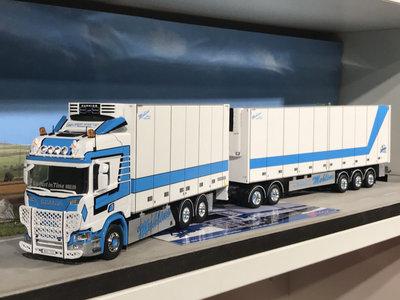 Tekno Tekno Scania R Highline next gen Zweedse combinatie Mohlins Sweden