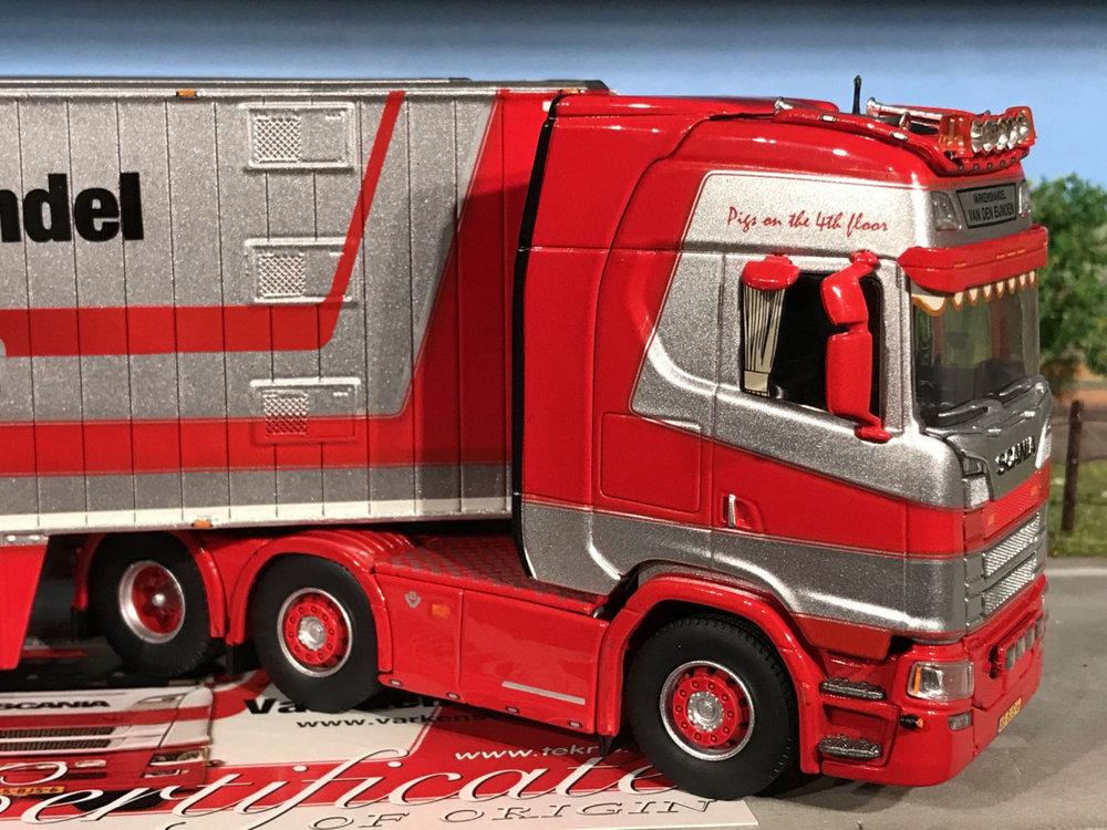 Tekno Tekno Scania S Highline 6x2 met berdex dubbeldek veeoplegger van den Eijnden