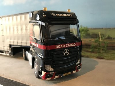 Mammoet store IMC Mercedes Actros 4x2 + 4-axle Meusburger
