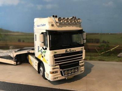 WSI WSI DAF 105XF 4x2 vrachtwagen transporter Flevoservice