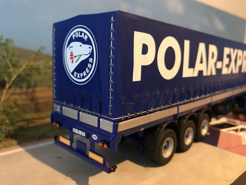 Tekno Tekno Volvo F12 met klassieke huifoplegger Polar Express Finland