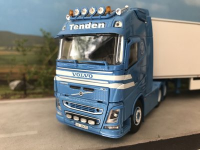 Tekno Tekno Volvo FH04 GL XL 6x2 with refrigerated trailer Tenden Norway