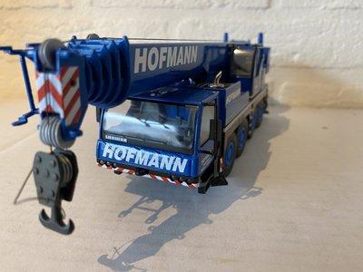 Conrad Modelle Conrad Liebherr LTM 1070-4.1 Mobilkran Hofmann