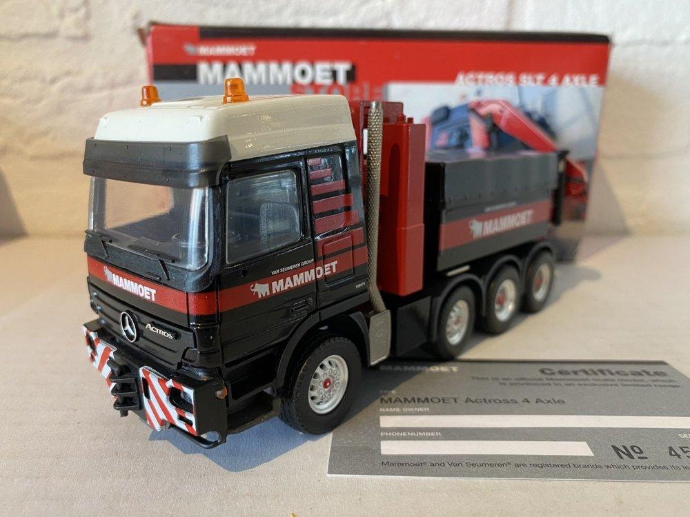 Mammoet store Conrad Mercedes Actros SLT 4-axle met palfinger loadcrane Mammoet