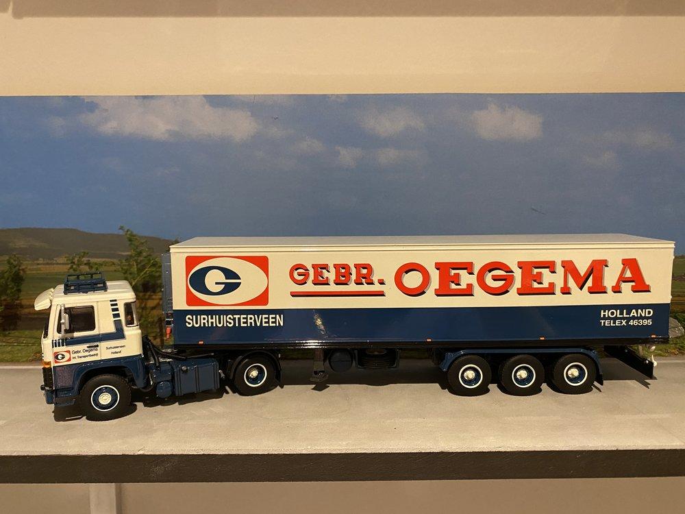 WSI WSI Scania 111 4x2 met classic koeloplegger Gebr. Oegema