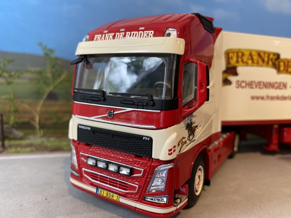 WSI WSI Volvo FH04 met koeloplegger Frank de Ridder
