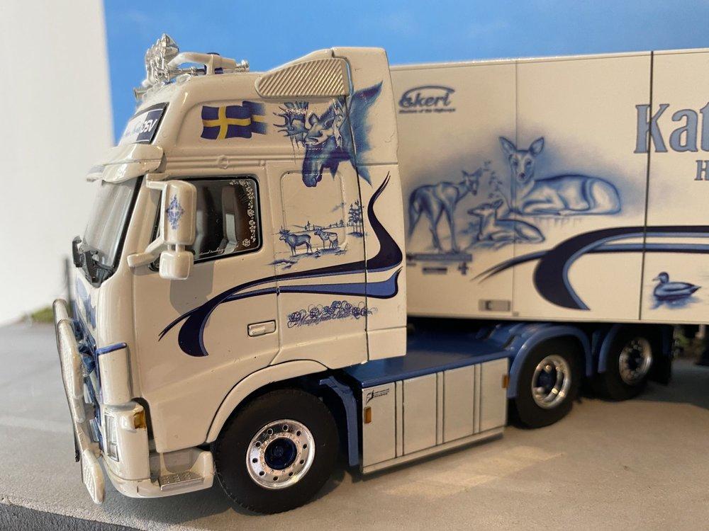 WSI WSI Volvo FH2 Glob. XL 6x2 met koeloplegger Kattilavaaras