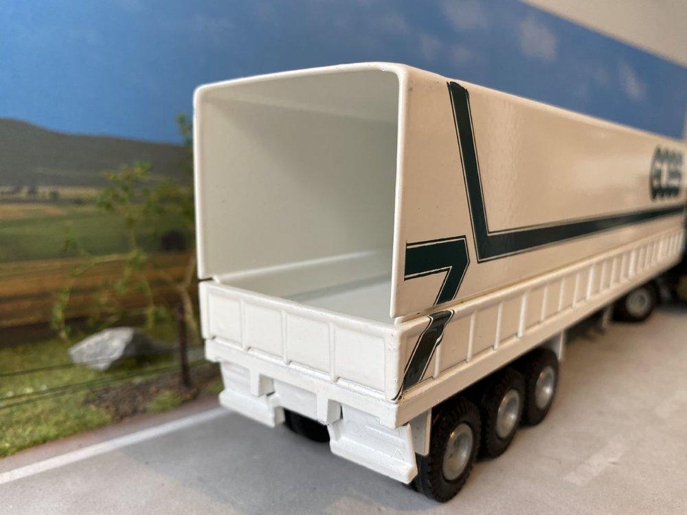Tekno Tekno Scania 142H met huifoplegger Goes