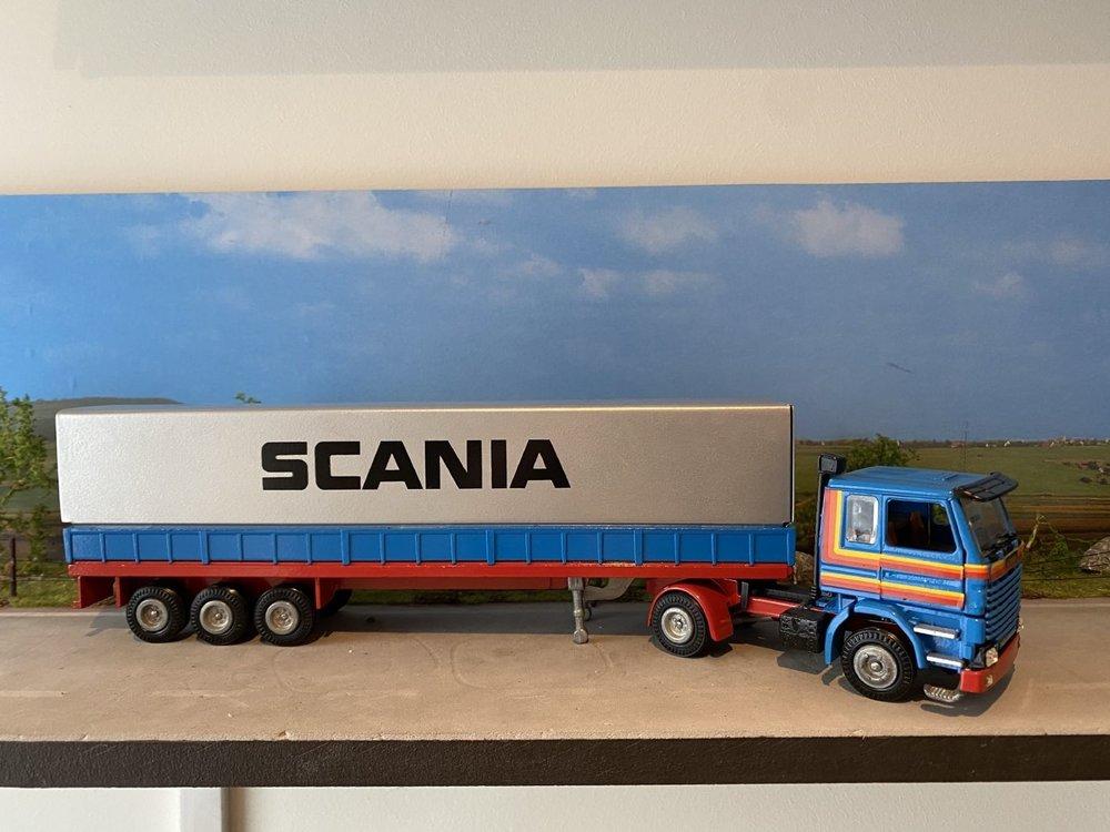 Tekno Tekno Scania 142H met classic huifoplegger basis model