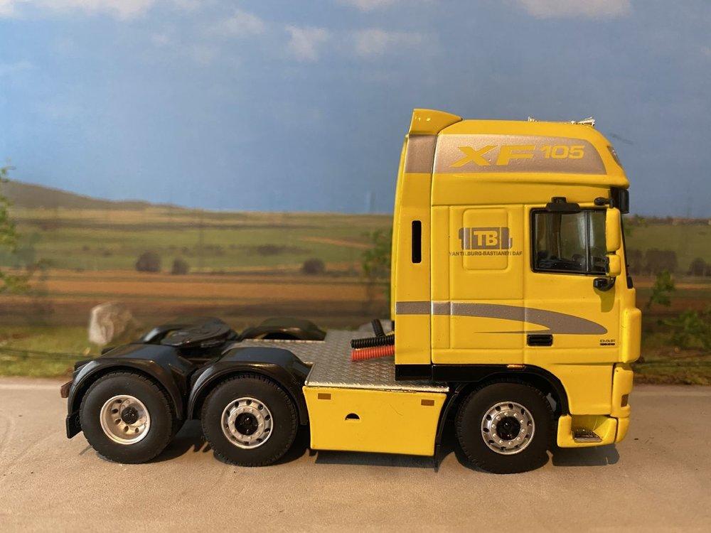 WSI WSI DAF 105XF 6x4 demo single truck