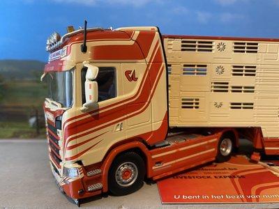 Tekno Tekno Scania S520 met veeoplegger van Lommel