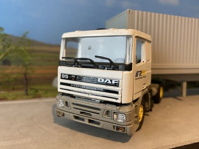 Tekno Tekno DAF 95 with container trailer CTR