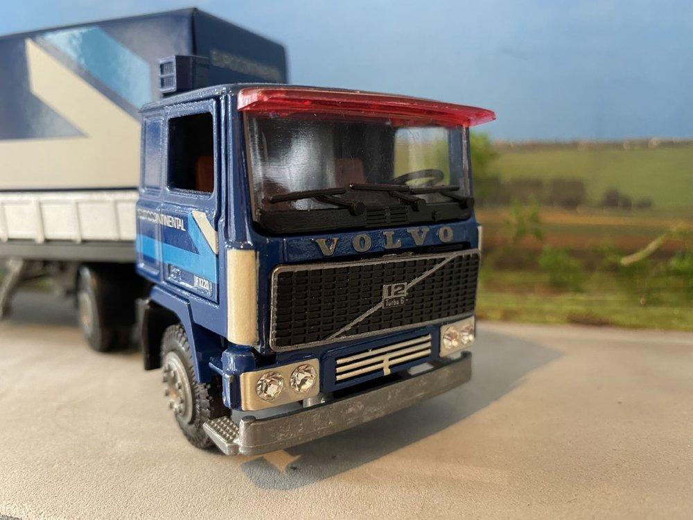Tekno Tekno Volvo F1220 met classic huifoplegger Eurocontinental