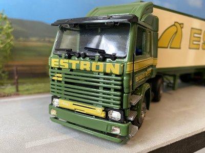 Tekno Tekno Scania 142H/V8 met gesloten oplegger Estron