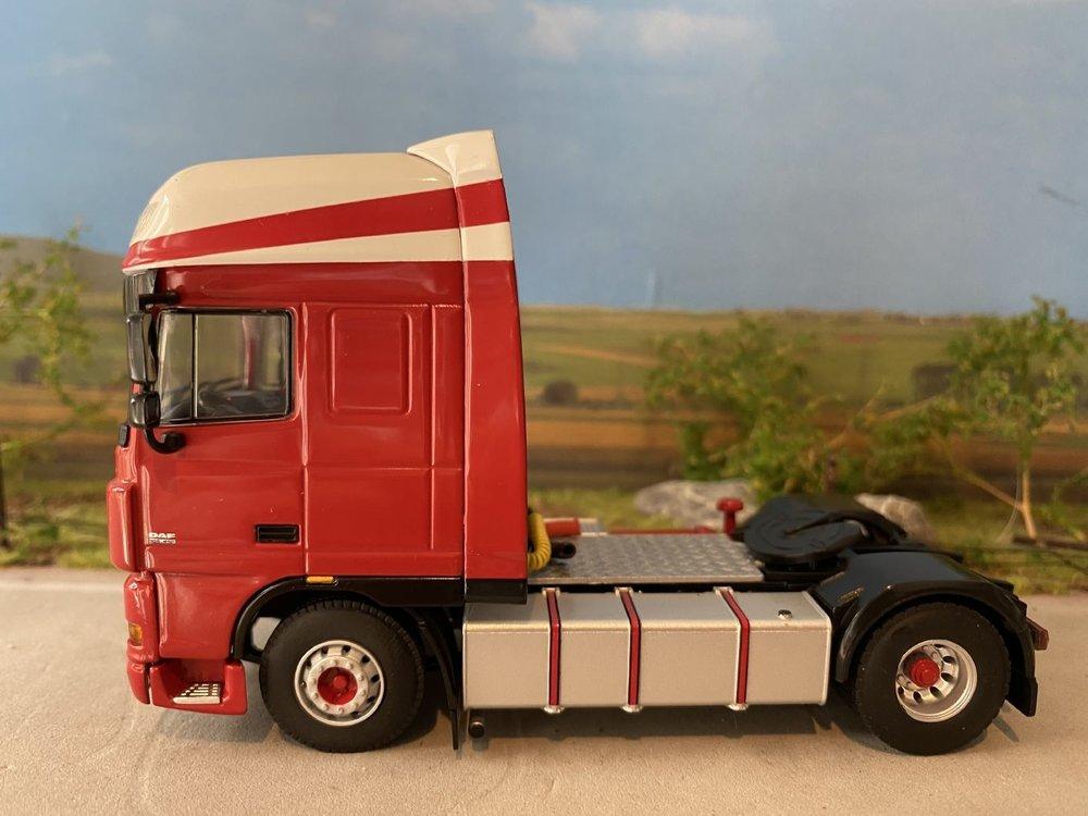 WSI WSI DAF 105XF single truck Limpens