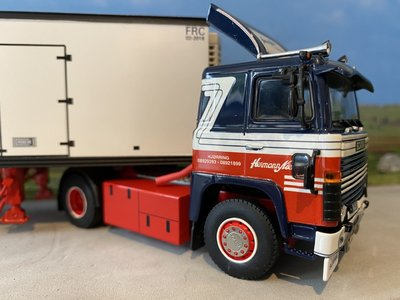 WSI WSI Scania 141 met classic koeloplegger Hermann Nielsen & Son