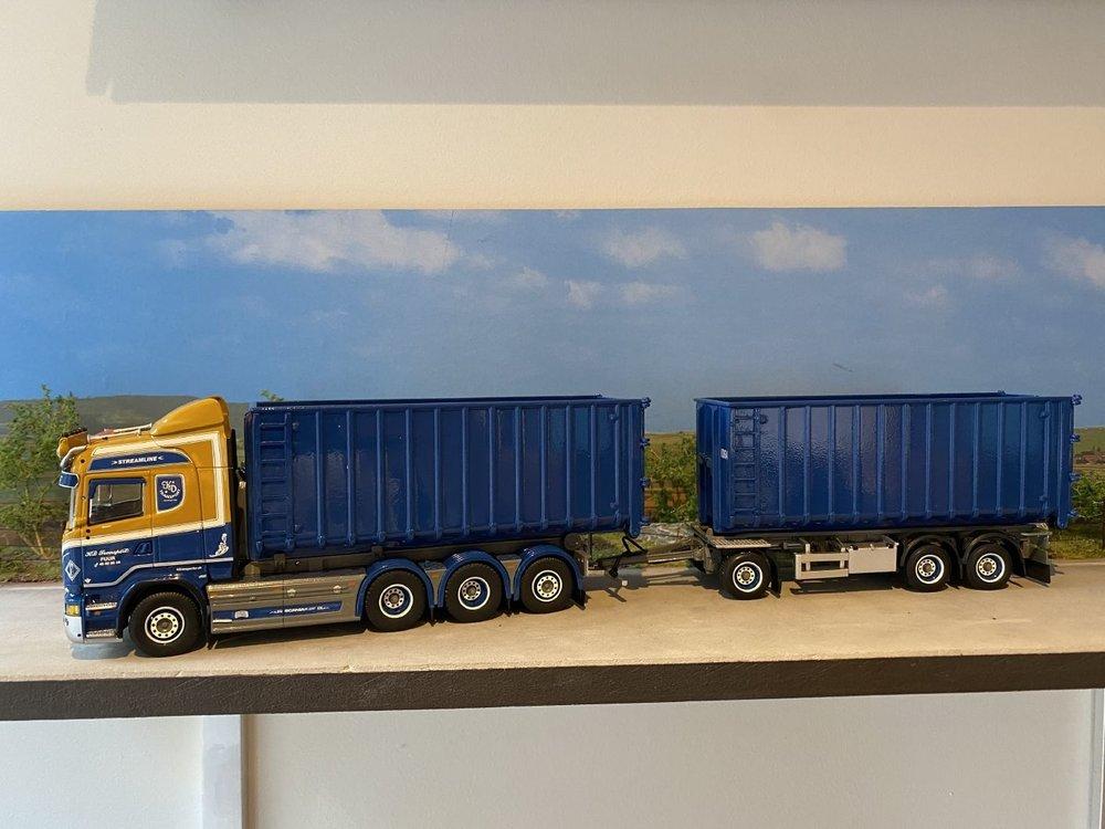 Tekno Tekno Scania R Highline motorwagen met afzetcontainers KD Transport