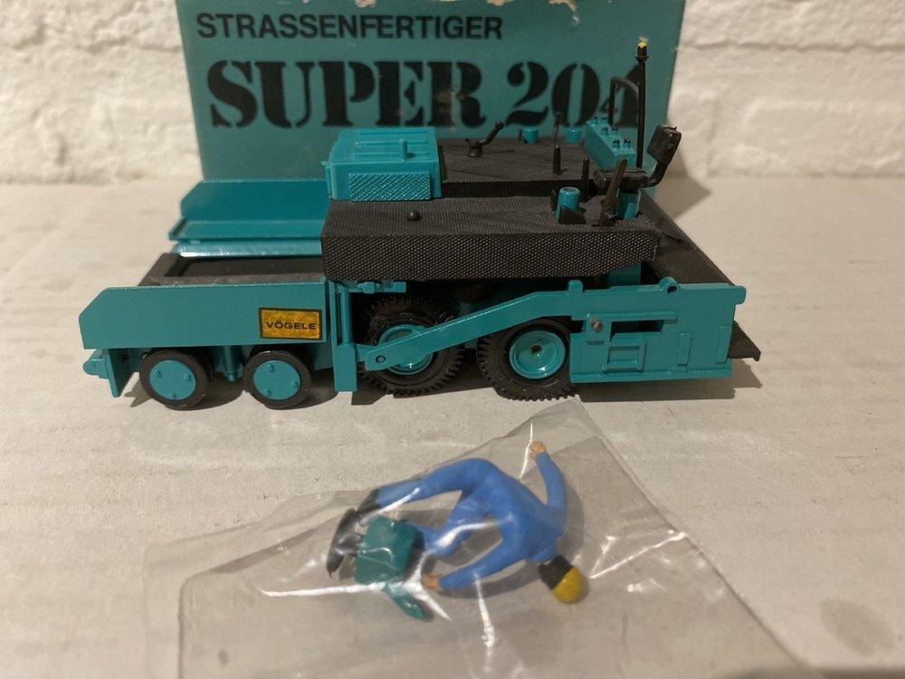 Conrad Modelle Gescha/ Conrad Super 204 Vögele  paver