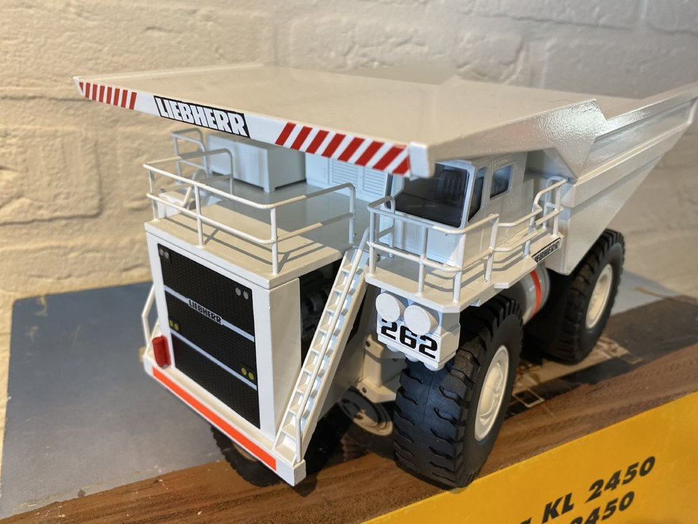 Conrad Modelle Conrad Liebherr mining truck KL 2450
