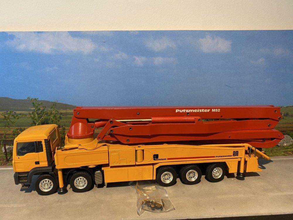 Conrad Modelle Conrad MAN Putzmeister M52 betonpomp