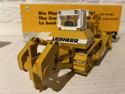Conrad Modelle Conrad Liebherr PR752 Crawler tractor