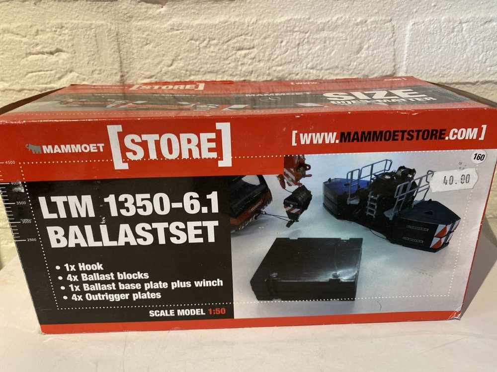 Mammoet store WSI Liebherr LTM 1350-6.1 ballast set Mammoet